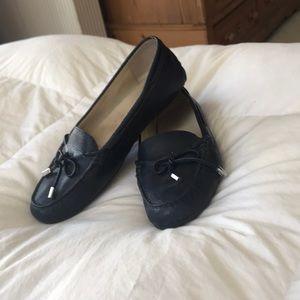 Michael Kors navy driving shoe 9 med euc